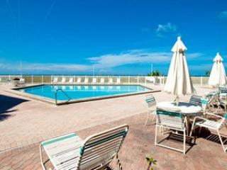 Pool - Anna Maria Island Club Unit 21 - Holmes Beach - rentals