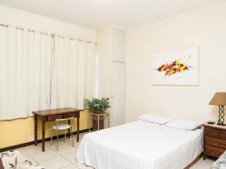 RioBeachRentals - Studio Djalma Ulrich 49 - #100B - Copacabana vacation rentals