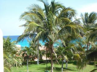 Remodeled OceanView Studio in Hotel Zone - Cancun vacation rentals