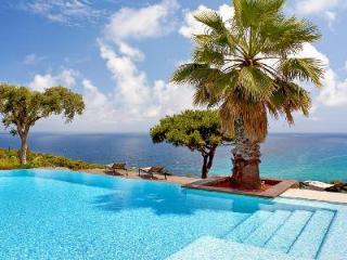 Azure Dream - a haven of peace with sea views, pool, tennis court & cinema room - Sospel vacation rentals