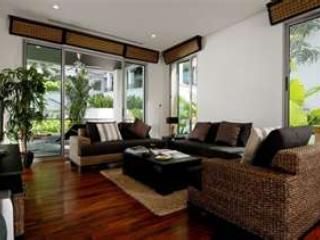 Superb 115m2 apartment, Kata beach/town 5 min.walk - Kata vacation rentals