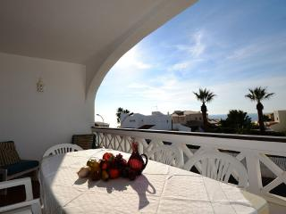 2 bedroom apartment 150 metres from Aveiros Beach! - Albufeira vacation rentals