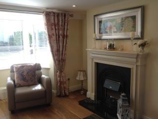 3 Fair Hill House - Killarney town - Sleeps 4/5 - Killarney vacation rentals