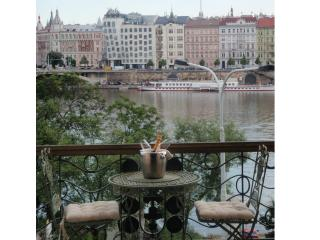 LUXURY RIVERSIDE * INCREDIBLE LOCATION AND VIEWS - Prague vacation rentals