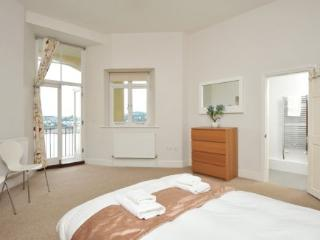 Apartment 14 Astor House Warren Road Torquay TQ2 5TRNo 14 two bed two bathroom apartment with south facing balcony with sea view - Shaldon vacation rentals