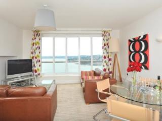 Apartment 17 Astor House Warren Road Torquay TQ2 5TRNo 17 two bed apartment with juliette balcony sleeping 4-6. - Teignmouth vacation rentals