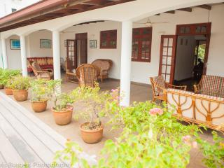 Colombo - Lake Gardens Sri Lanka - Colombo vacation rentals