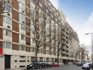 Economical Kensington Studio - Great Location - London vacation rentals