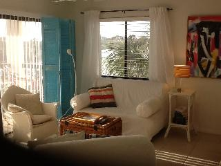Shabby Chic Meets the 60's Beach Condo - Florida North Atlantic Coast vacation rentals
