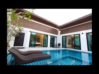 Deluxe 3 bed Pool Villa for rent, in Chalong - Chalong Bay vacation rentals