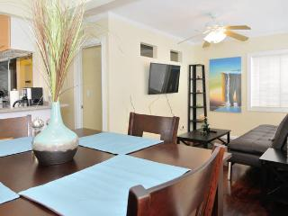 Heart of Mission Beach w/ Patio MS3 - Pacific Beach vacation rentals