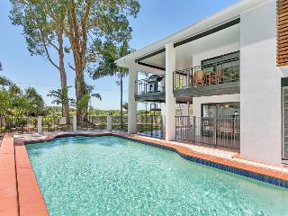 Dolce Vita Large Beach House in Cairns / Palm Cove - Trinity Beach vacation rentals