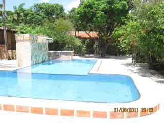 beautiful villa with swimming pool    bella villa con piscina - Caucaia vacation rentals
