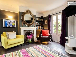 2 Bedroom - Dalling Road - Ravenscourt Park - London vacation rentals