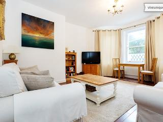 2 bed in leafy West Wimbledon, Worple Road - London vacation rentals