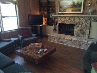 Beautiful Townhome in Flagstaff, AZ Country Club - Northern Arizona and Canyon Country vacation rentals