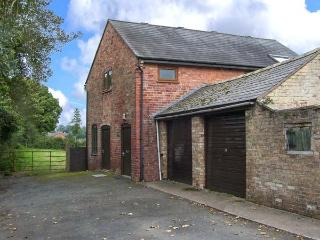 THE BARN, all first floor, pet-friendly close to town centre, in Oswestry, Ref 916331 - Oswestry vacation rentals