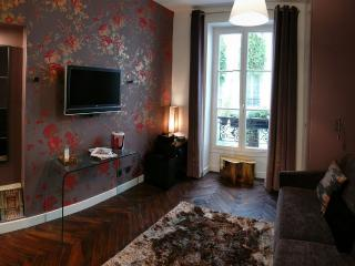 Central, luxury designer apartment. Free wi-fi! - 19th Arrondissement Buttes-Chaumont vacation rentals