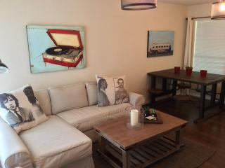 Cute East Side Condo-Perfect for ACL, SXSW, F1 - Austin vacation rentals