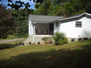 The Welcome Home Cottage - Franklin vacation rentals
