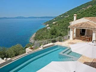 Country chic Villa Grillo has pool, terrace & daily maid - 3 min to beach - Kalami vacation rentals