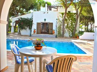 Ross Orange Apartment - Faro vacation rentals