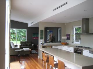 Gorgeous designer home - Sydney Metropolitan Area vacation rentals