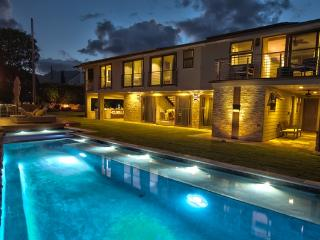 Ali'i Zen Haven - luxurious home with pool, spa, great views - Kaneohe vacation rentals