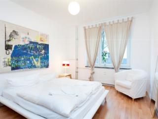 661 |  One bedroom ground floor apartment near Brunnenstr. - Berlin vacation rentals