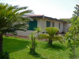 Cottage with garden and orchard close to the beach - San Felice Circeo vacation rentals