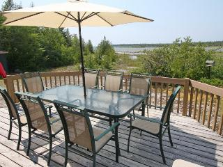 Sunset Lakehouse cottage (#916) - Tobermory vacation rentals