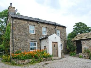 SPOUT COTTAGE, secluded, garden, woodburner, near Sedbergh, Ref 914676 - High Bentham vacation rentals