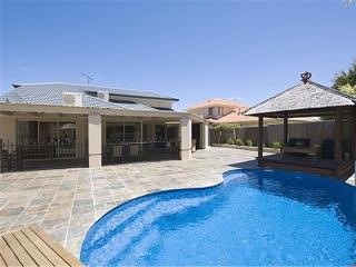 The Oasis Solar Heated Pool Internet 2 x platinum foxtel A/con - Joondalup vacation rentals