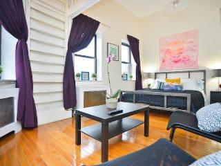 skytrain   UWS Studio Loft - New York City vacation rentals