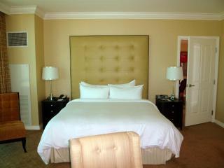 MGM Grand Signature LUXURY condo 1 bedroom, 2 bath - Las Vegas vacation rentals