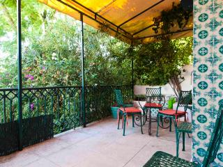 Principe Real Deluxe Duplex with terrace&balcony - Lisbon vacation rentals