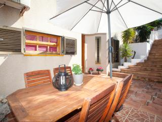 CALA MANDIA FAMILY BEACH APARTMENT - Cala Millor vacation rentals