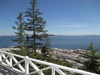 LEDGEMERE   SOUTHPORT ISLAND   BOLD OCEANFRONT   ISLANDS   LIGHTHOUSE - Boothbay vacation rentals