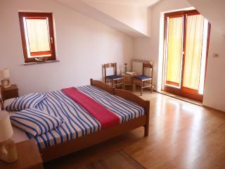 Large cozy sea view apartment - Rovinj vacation rentals