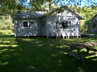 Spacious cottage on Lake Metonga-Crandon,Wisconsin - Crandon vacation rentals