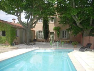 belle maison de caractère - Aix-en-Provence vacation rentals