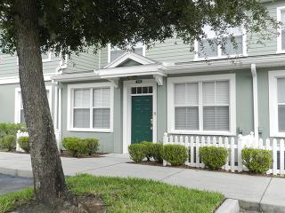 Gorgeous Venetian Bay Townhome with Gym and Hot Tub - Davenport vacation rentals
