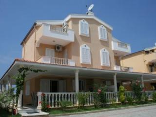 Kusadasi 4 bed Villa Melissa 500m from the sea - Kusadasi vacation rentals