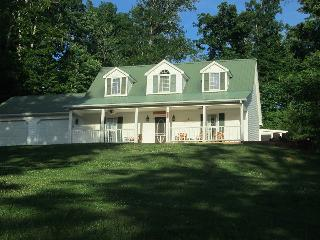 Beautiful home on Lake Cumberland - Albany vacation rentals