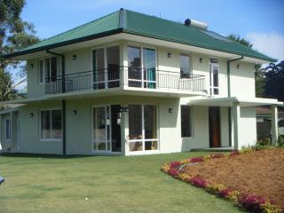 Lawsonsridge   Nuwaraeliya  villa in centre of town - Dambulla vacation rentals