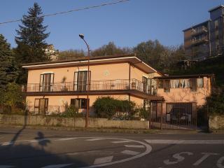 B&B LA GINESTRA - Rovito vacation rentals