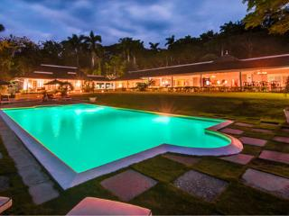 Sea Island Villa/Tennis Court/5-Star Staff - Montego Bay vacation rentals