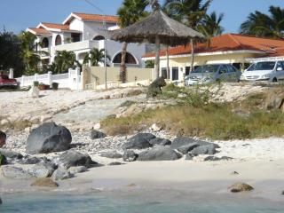 Beach White Villa Aruba - 8 persons, 4 bed /3 bath - Aruba vacation rentals