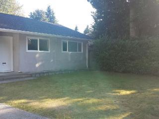 $3100 / 3br - 1500ft² - 3BR & Den Unfurnished/$4000 Furnished house on Cul-De-Sac - North Vancouver vacation rentals