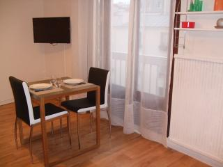 Lovely studio near Daumesnil WIFI access - Paris vacation rentals